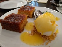 Crispy orange pie with yoghurt ice cream